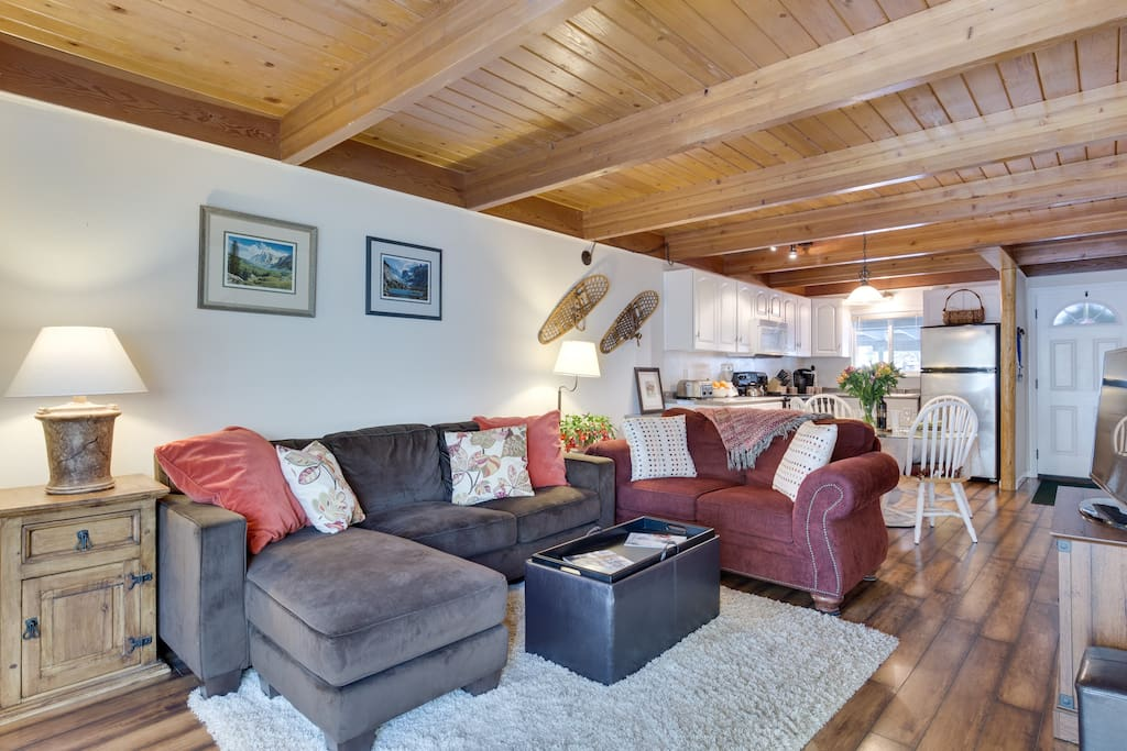 Open plan with Tahoe decor