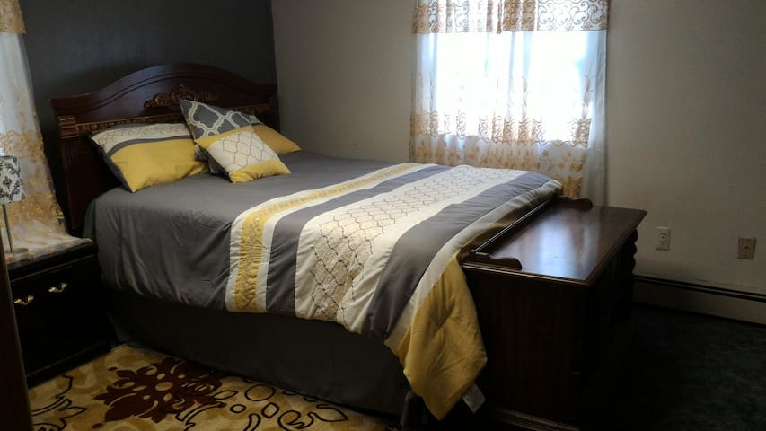 Perfect Room for a Traveler - Port Jervis - Talo