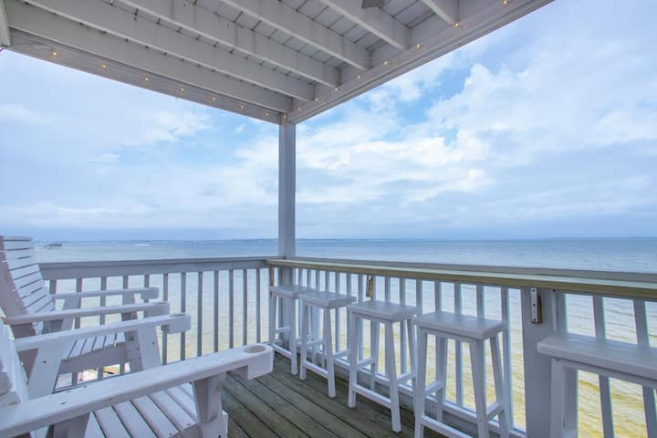 Paradise Point: Waterfront Unit with PaddleBoards!
