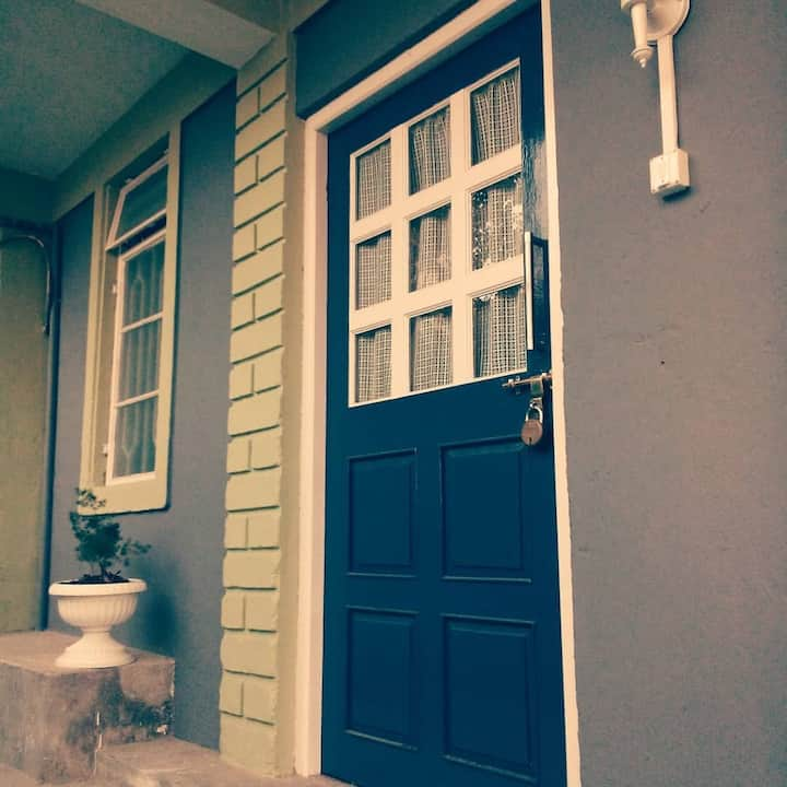 The Gaff in Kalimpong-Blue Door(Vacation Home)