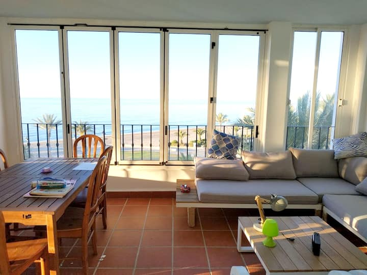 House with 3 bedrooms in Roquetas de Mar, with wonderful sea view, shared pool, furnished terrace - 75 m from the beach