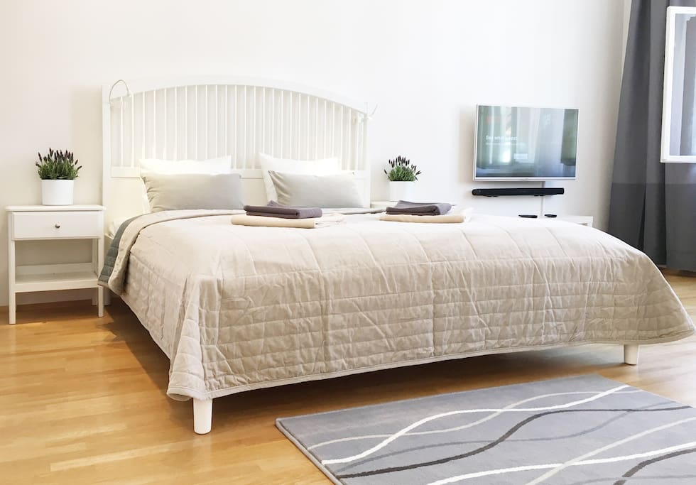 Queen size bed, rest like at home.