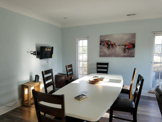 Private Room In Large Home Drug/Alcohol Free