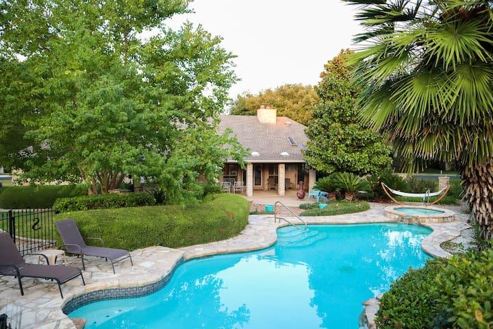 Hill Country Pool Oasis near Boerne & San Antonio!