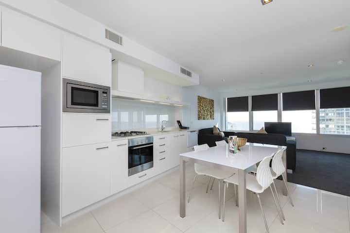 Q1 Resort - One Bedroom Ocean Spa Apartment
