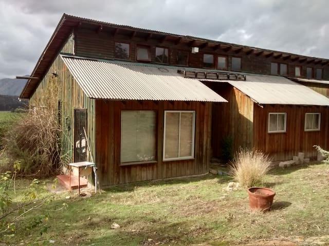 Casa Grande en el Campo. Rústica - Nogales