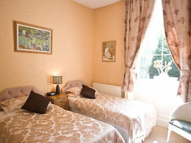 Twin Room Valley View - The Pinfold Guest House