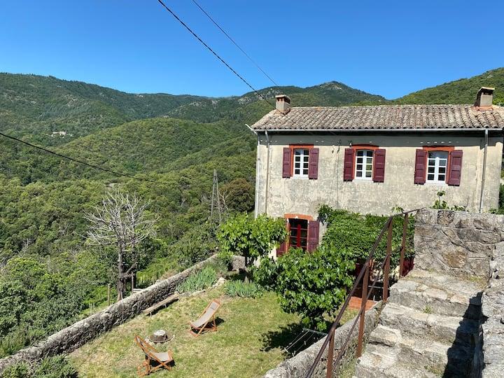 Maison en Cévennes, vue merveilleuse, très calme.