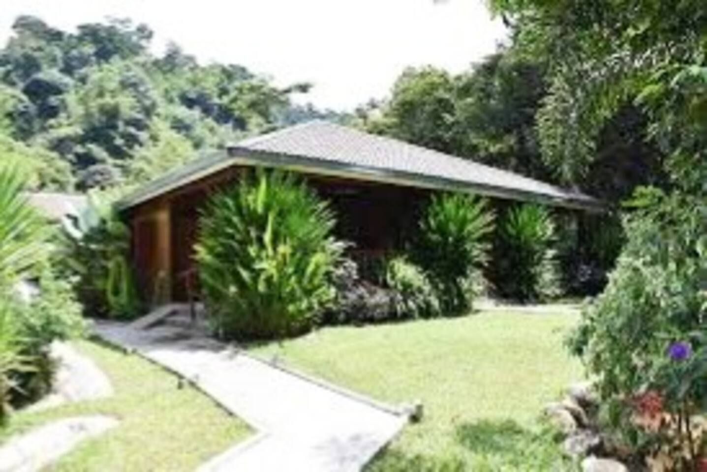 Kubu Cottage is a 3 en-suite bedroom, comfortable for 6 people.
