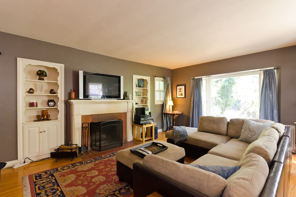 Living Room - view of fireplace and HDTV
