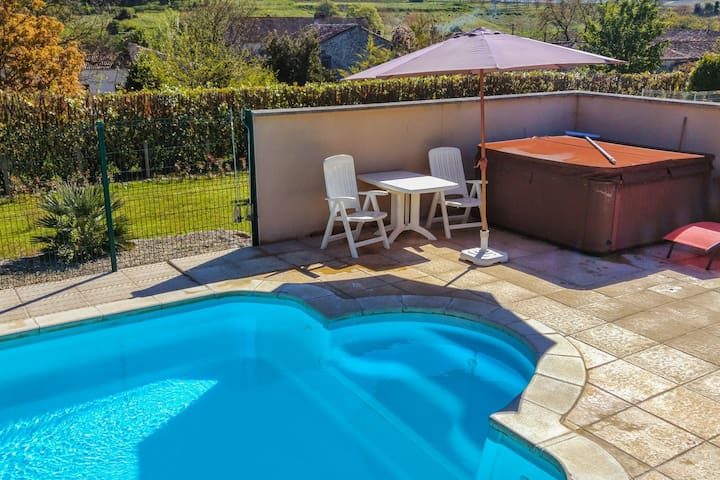 Apartment with pool, beautiful landscaped, fenced garden overlooking the hills