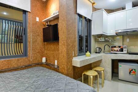 Luxury, Cozy Studio Apartment in Center of Dist.1