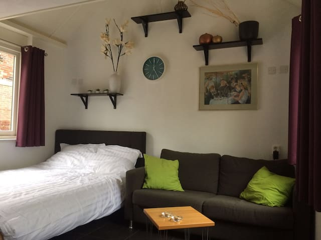 Guesthouse near beach, Alkmaar, Amsterdam, airport - Heiloo - Apartment