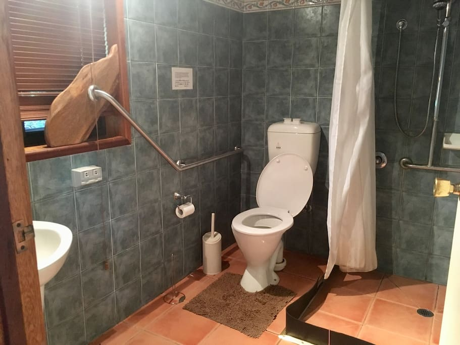 Private bathroom with Italian shower
