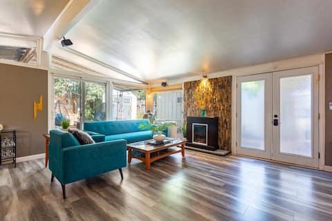 Mid Century Modern dream in Sunny California (New)