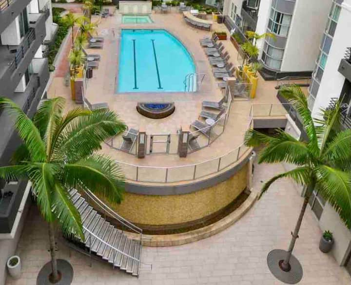 Charming Marina Get Away with pool, spa and gym