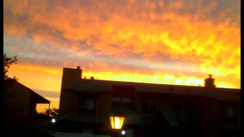 "DISNEYLAND-CONV.CNTR ""SUNRISE ROOM"" - SANTA ANA"