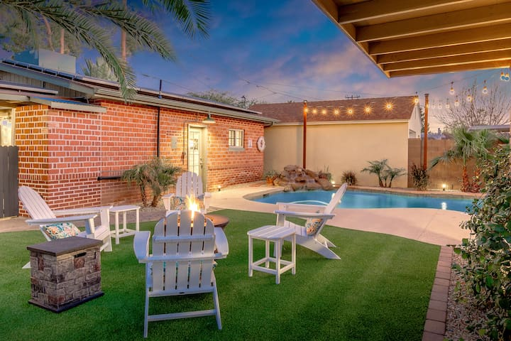 Coronado Oasis w/ Casita, Hot Tub, Firepit & Pool
