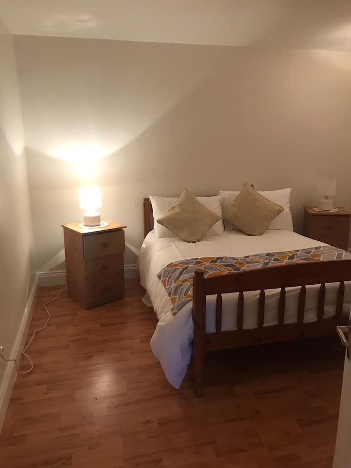 One bedroom apartment minimum stay 2 nights