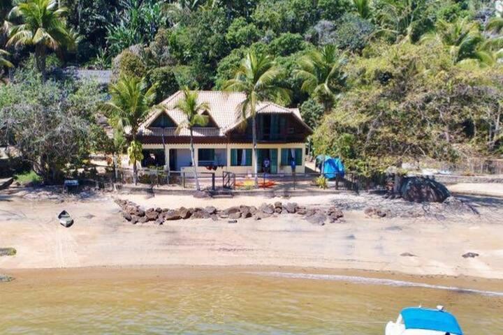 Casa de Praia na Ilha Grande ( lancha opcional)