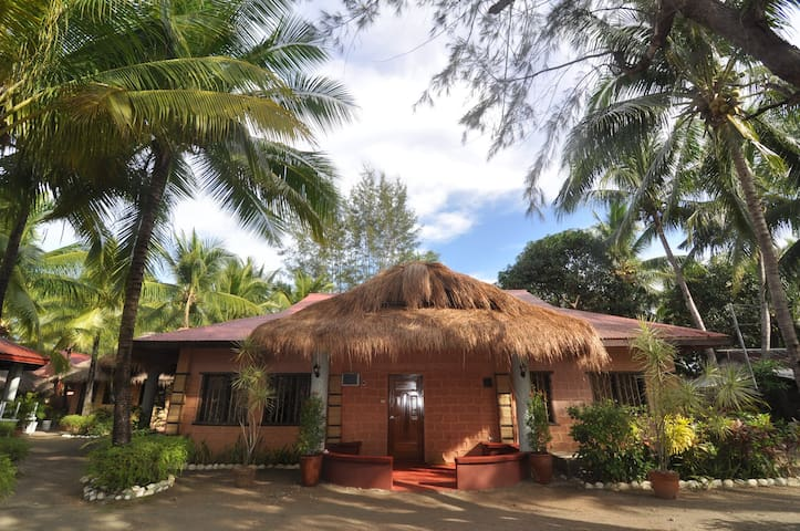 Puerto Dorm II -PDM Beach Resort (good for 20 pax)