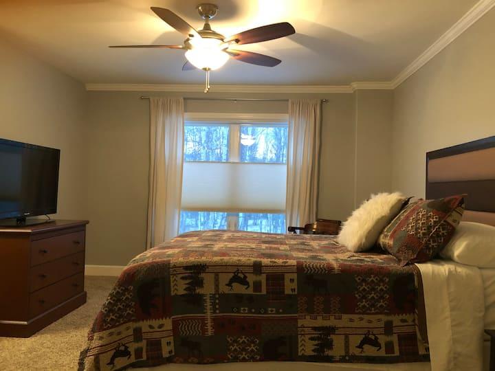 Quiet Alaska Getaway in Cozy Apartment