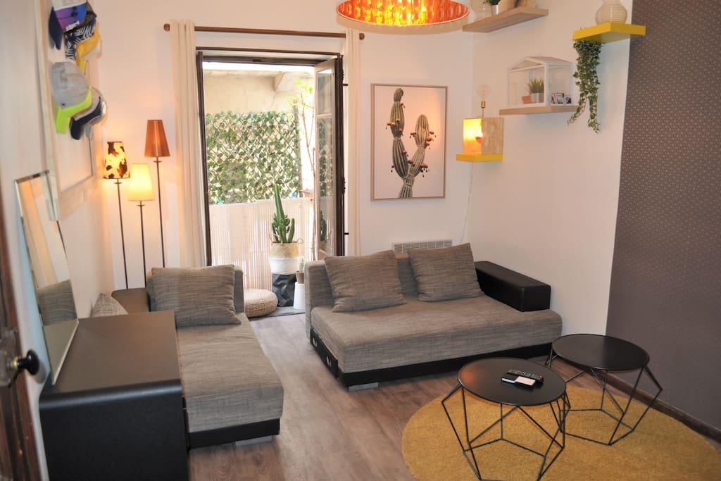 appartement t2 de charme en centre ville gare 2mn appartements louer montpellier. Black Bedroom Furniture Sets. Home Design Ideas