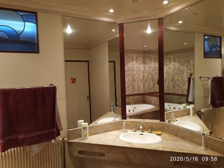 Grand appartement 3 chambres grandes cuisine & SDB