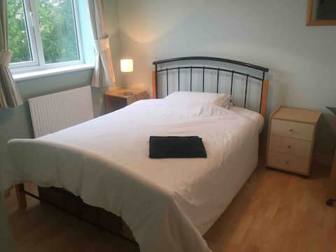 Comfortable room near York (inc. breakfast)