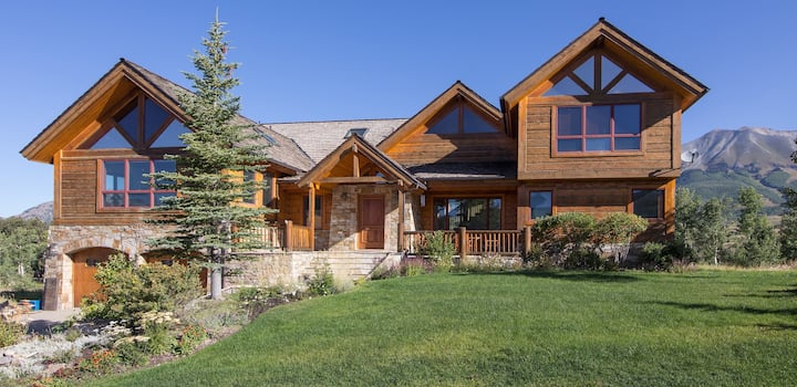 LODGE ON THE POINT - Golf Course Home, Mountain Village, VIEWS & Hot Tub