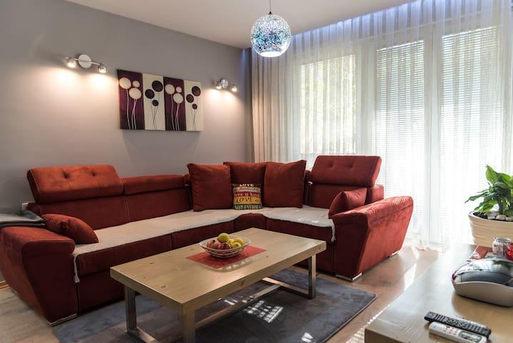 Modern & Cozy, FAV Apartment #2