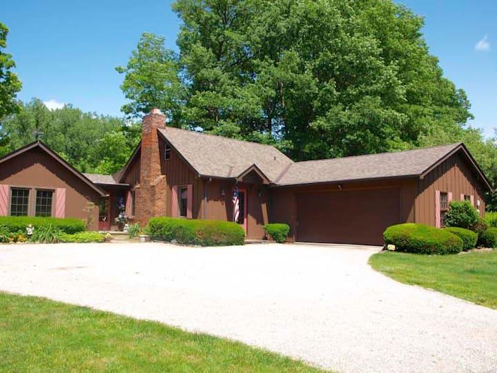 Unique River Front Cottage
