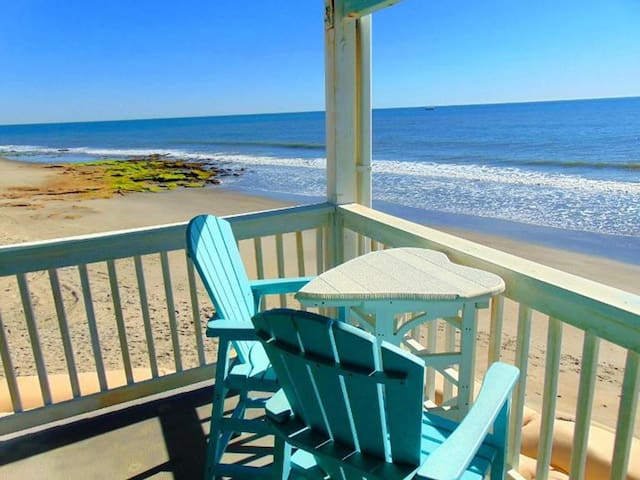 RIGGINGS # 2-A - Beautiful Oceanfront Condo.  Short Drive to Fort Fisher Aquarium and Ferry