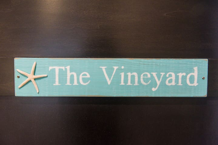 THE VINEYARD - 1500 sq.ft. furnished apartment