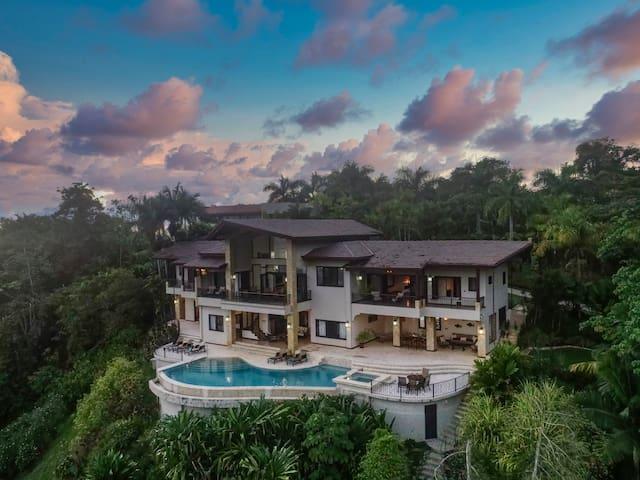Casa Big Sur 5 Star Paradise 50% OFF!