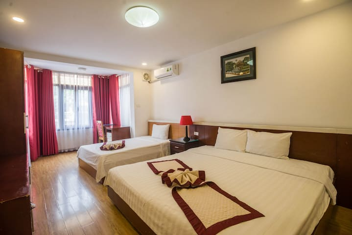 Double or Twin room with Street-view Balcony, centre of Night market, Hanoi Old Quarter