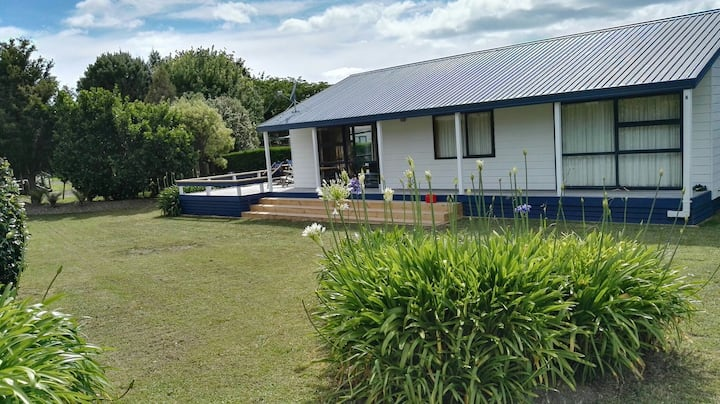 Kiwi holiday home in paradise