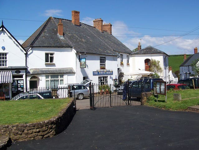 The White Horse Inn - Stogumber - Pousada