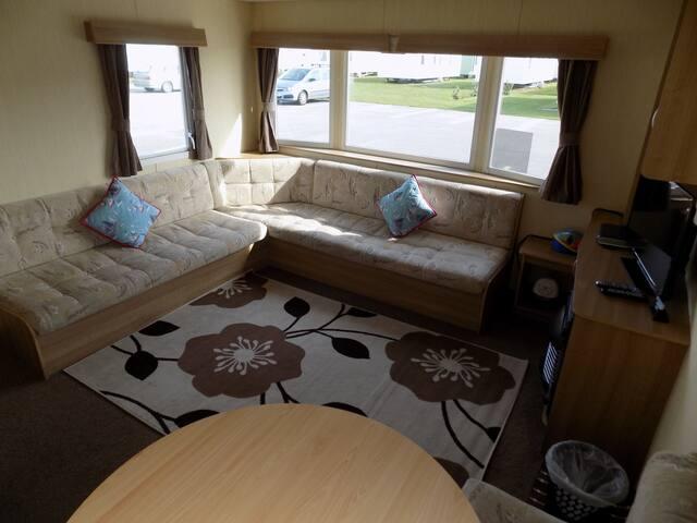Deluxe Plus Luxury Caravan