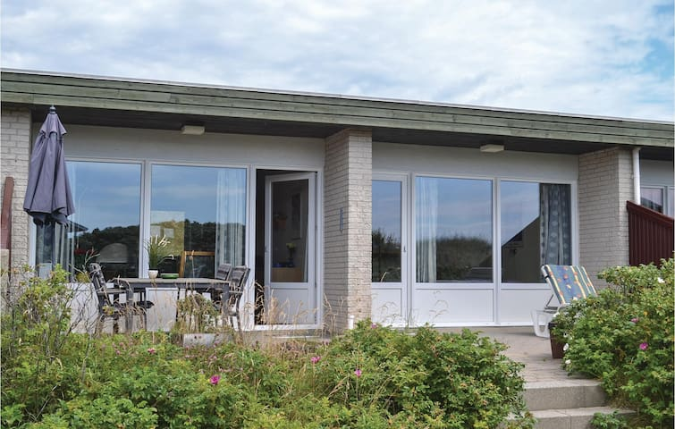 Holiday apartment with 1 bedroom on 56 m² in Hvide Sande