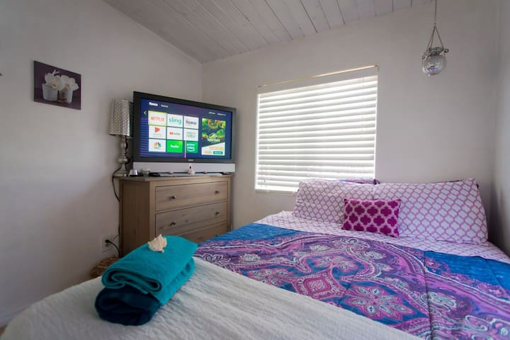 CLEAN ROOM MISSION BAY E/10MIN TO GASLAMP/BEACHES