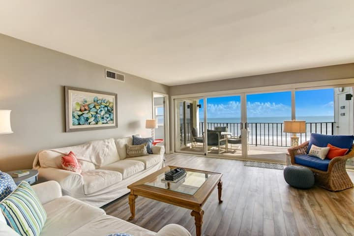 Amelia South H5: Totally renovated, beautiful oceanfront condo with balcony and pool.  Enjoy nearby restaurant you can walk to.
