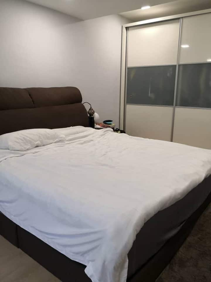 A cozy room, suitable for single traveller.