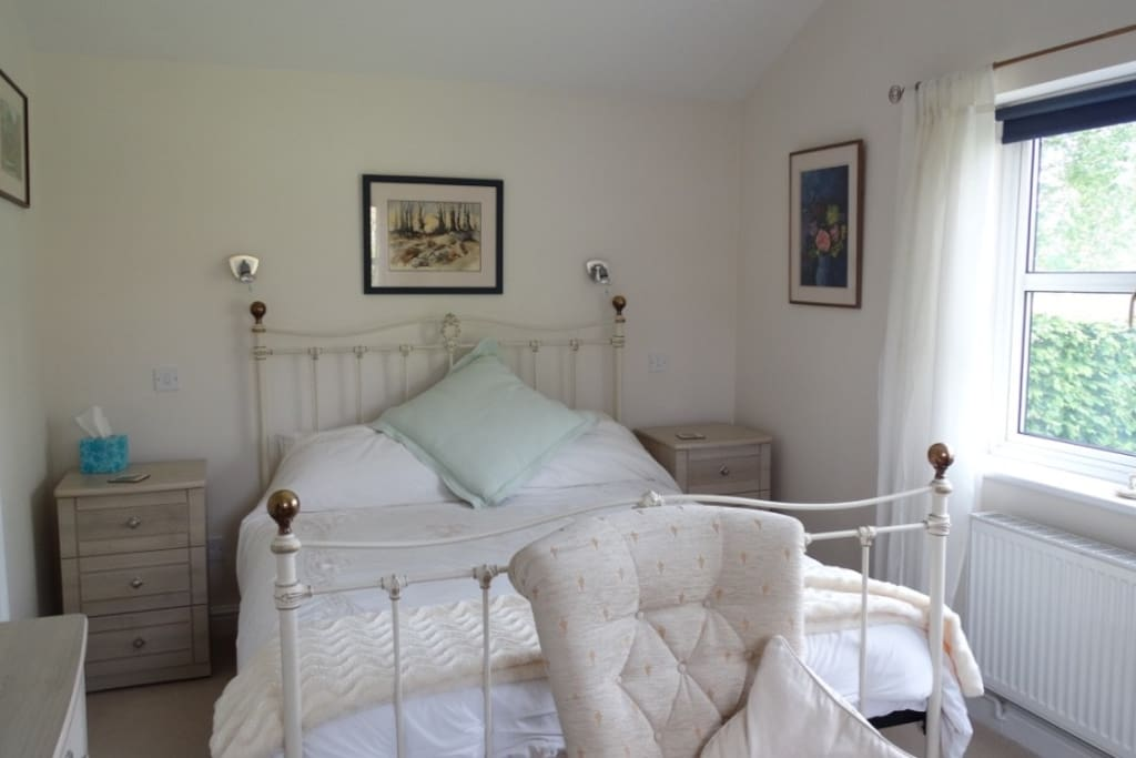 Bedroom with king-size bed, Pool Cottage Upton