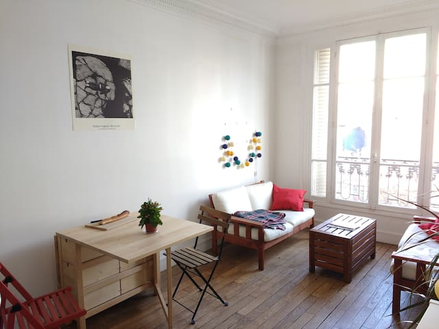 Bright, roomy Butte-aux-Cailles apartment