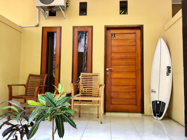 """Walkable to Beach&Restaurants &Airport""""kupukupu39"""""""