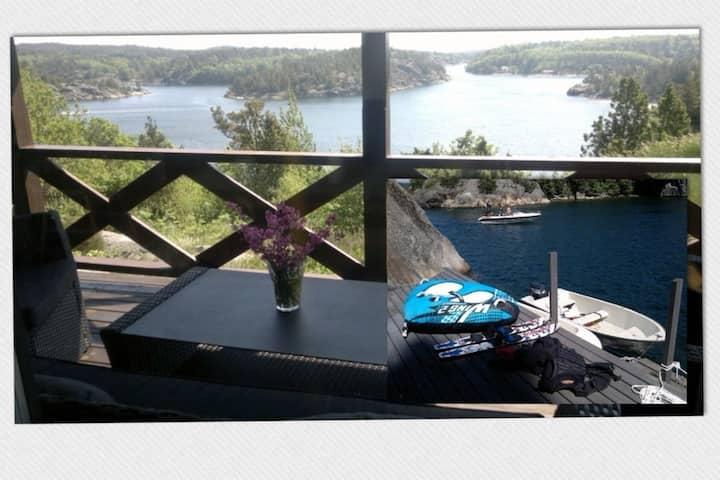 Cottage, boat, spa, private dock,  Lillesand