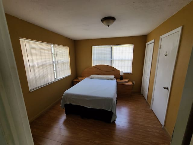 Central Location, close to Wynwood and airport