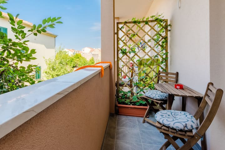 Karlo-Two Bedroom Apartment with Balcony