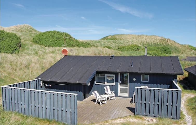 Holiday cottage with 3 bedrooms on 94m² in Blokhus